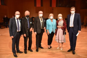 Foto: Gruppenfoto mit ehem. tsch. Kulturminister Daniel Herman