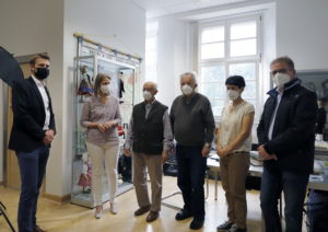 Gruppenfoto mit Bürgermeister Dr. Johannes Hanisch