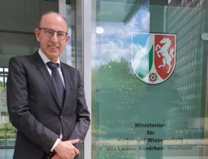 Thomas Konhäuser, Geschäftsführer der Kulturstiftung, am NRW-Landesministerium für Kultur und Wissenschaft