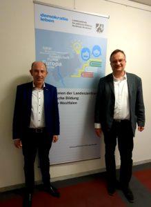 Thomas Konhäuser, Geschäftsführer der Kulturstiftung, mit Dr. Guido Hitze, dem neuen Leiter der Landeszentrale für politische Bildung Nordrhein-Westfalen.